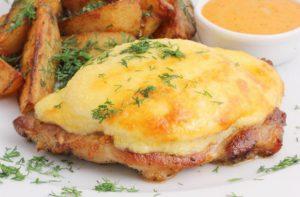 Как сделать свинину с сыром в духовке в домашних условиях