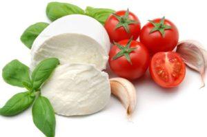 Самые лучшие рецепты сыра Моцарелла в домашних условиях