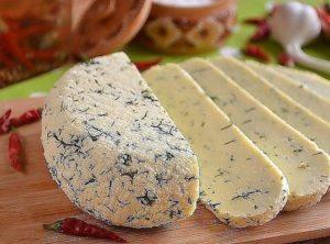 Как самому приготовить вкусный сыр из сметаны в домашних условиях