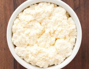 Как самому приготовить вкусный сыр из сыворотки