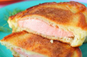 Самые вкусные рецепты оладий с сыром и колбасой на кефире