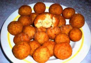 Вкусные картофельные шарики с сыром