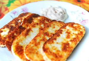 Как можно пожарить адыгейский сыр на сковороде