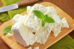 Какие десерты можно приготовить из сыра рикотта без выпечки