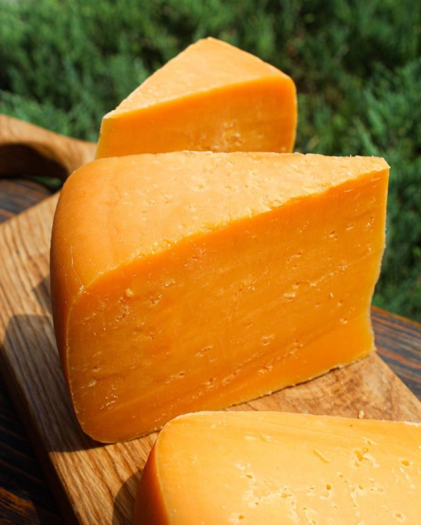 Сыр Чеддер: история, описание, польза и рецепты в домашних условиях