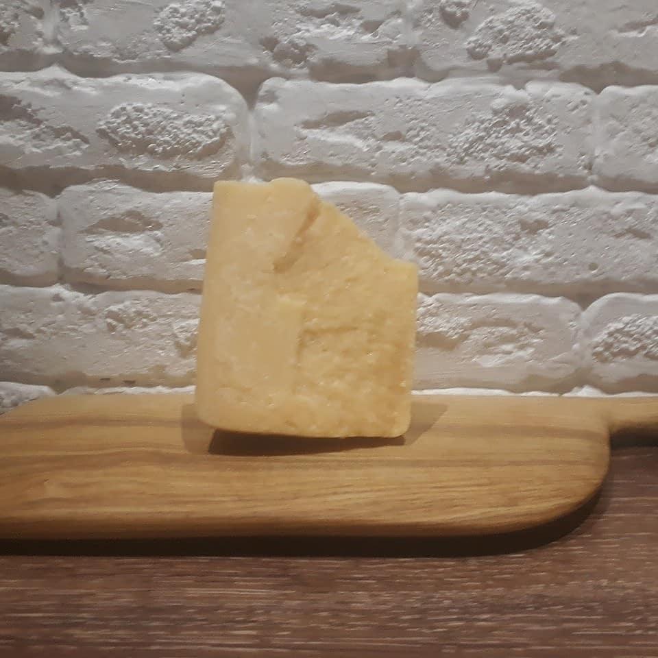 Сыр пармезан: история происхождения, вкус, состав, польза, рецепты блюд
