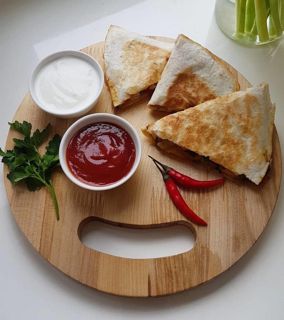 кесадилья с сыром манчего